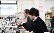 強い競争力の確保のために、物流・情報システムの高度化、アウトソーシング化に取り組んでいます。